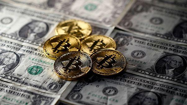 Bitcoin ultrapassa barreira dos 11.000 dólares