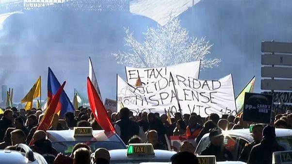 Nekimentek az Ubernek a spanyol taxisok