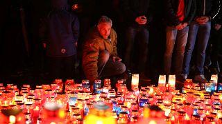 Bosnier halten Totenwache für Praljak