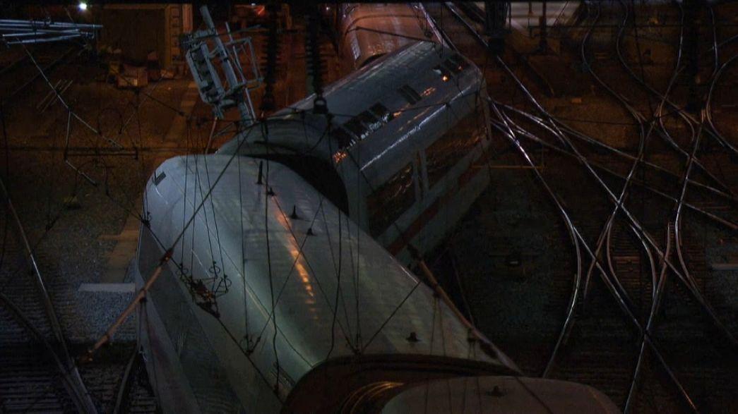 В Швейцарии поезд сошел с рельсов
