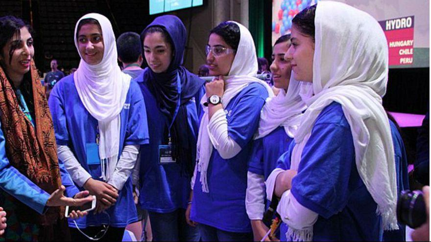 دختران رباتیک افغانستان برنده جایزه «چالش کارآفرینی» در بزرگترین جشنواره اروپا