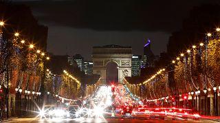 Car traffic in Paris