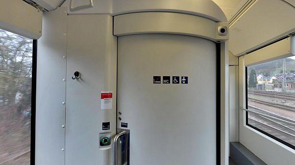 Sex auf Zugtoilette nicht strafbar
