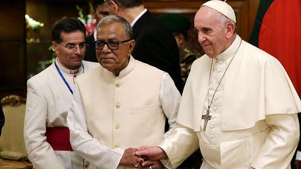 """Francisco pede """"medidas decisivas"""" para fazer face a crise humana dos Rohingya"""