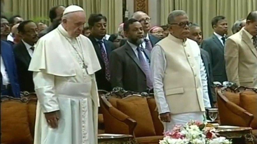 Papa Francis yine Arakanlı Müslümanlara değinmedi