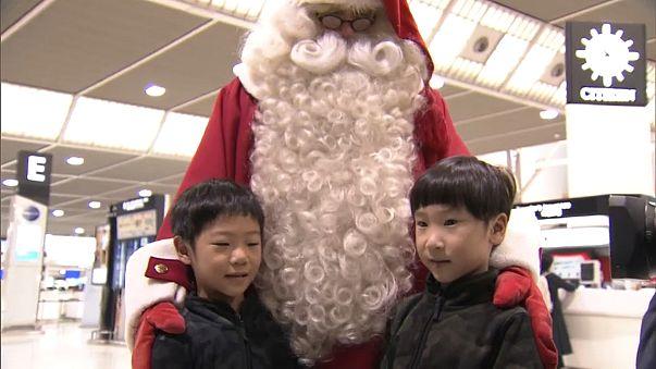 Weihnachtsmann landet mit Privatjet in Japan
