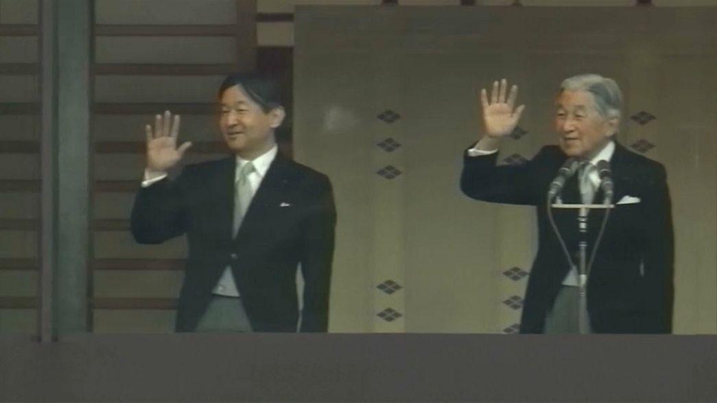 Император Японии покинет престол