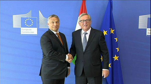 Orban demokrasi eleştirileri için muhalefeti suçladı