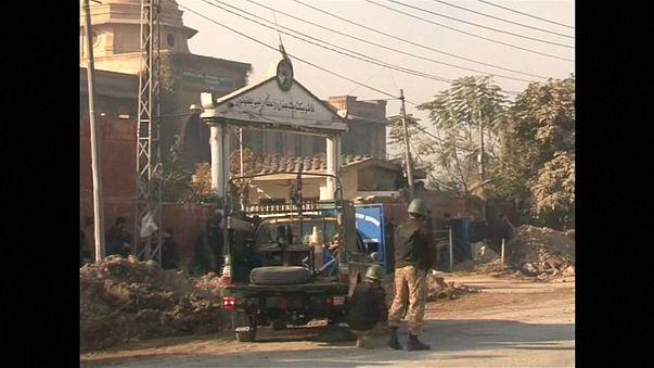 Теракт в Пешаваре: есть убитые и раненые