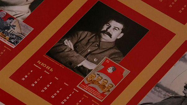 چاپ و انتشار تقویم ژوزف استالین در روسیه