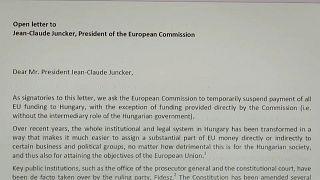 Hungria responde a carta de antigos dirigentes da UE