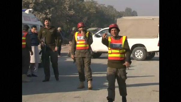 Les talibans attaquent une université au Pakistan