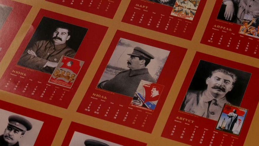 Un calendario de Stalin desata la polémica en Rusia