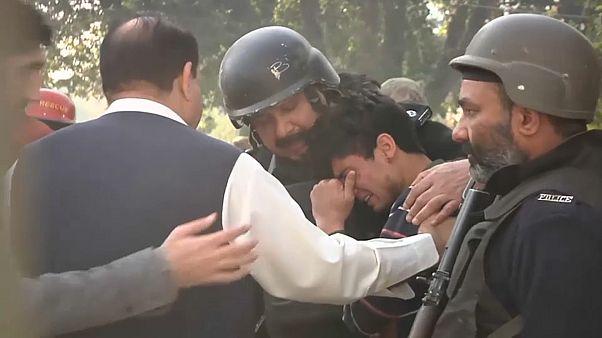 Pakistan'da Taliban yine saldırdı