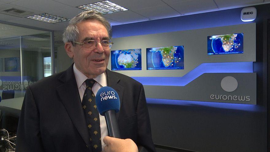 O πρώην επίτροπος της ΕΕ, Ιωάννης Παλαιοκράσσας, μιλά στο euronews