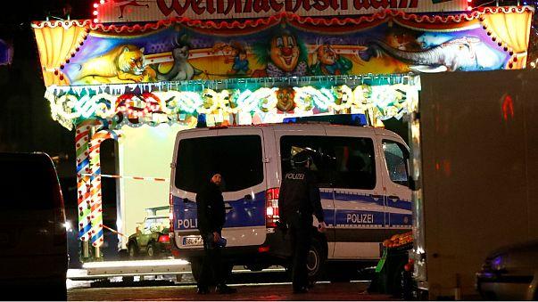 Polícia alemã desarma engenho explosivo perto de mercado de Natal