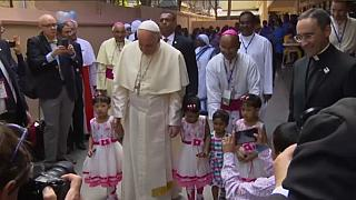 """Pope Francis says """"Rohingya"""" on last day in Bangladesh"""