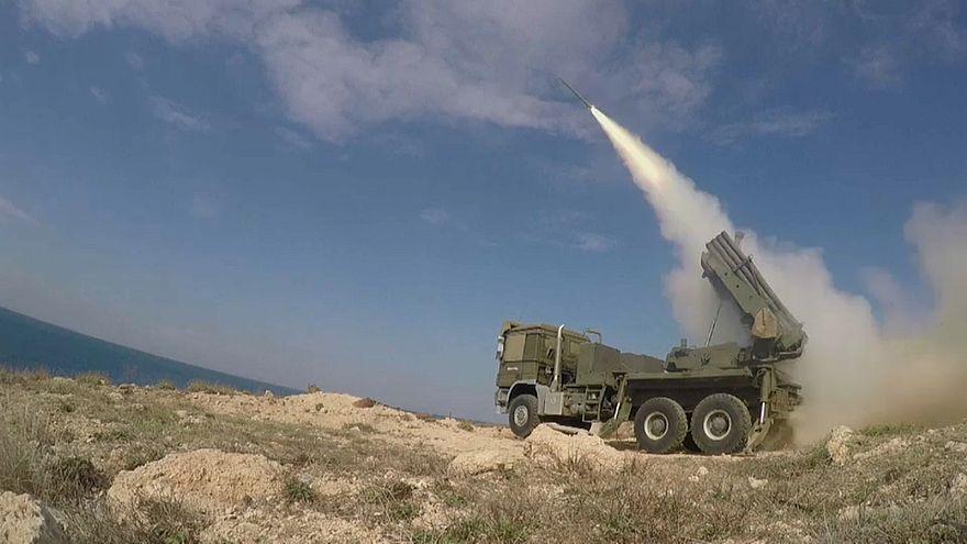 Israel greift erneut Ziele in Syrien an.