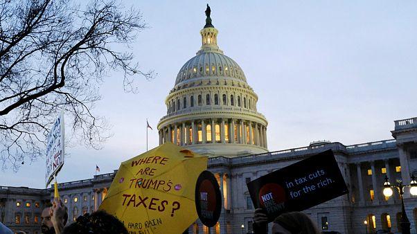 چرا تصویب لایحه کاهش مالیات پیروزی بزرگی برای ترامپ است؟