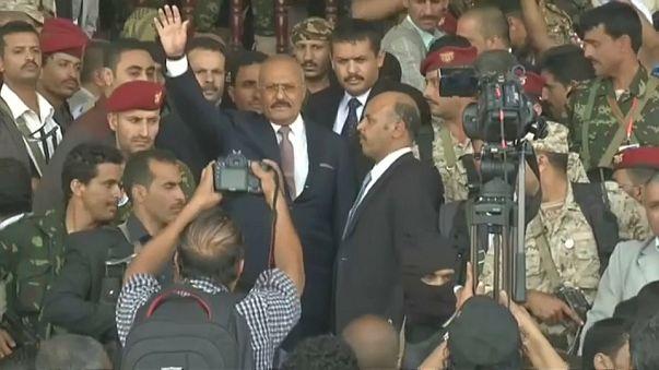 """Ex-presidente """"rebelde"""" estende a mão à Arábia Saudita"""