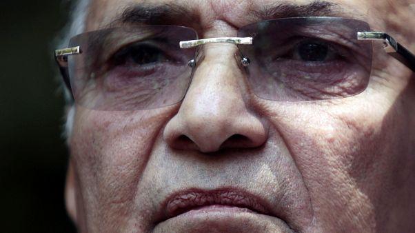 شاهد: أول صورة لأحمد شفيق أثناء ترحيله إلى القاهرة