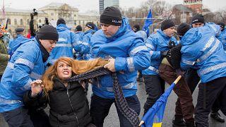 """L'opposition roumaine empêche la tenue du marché de Noël sur """"sa"""" place"""