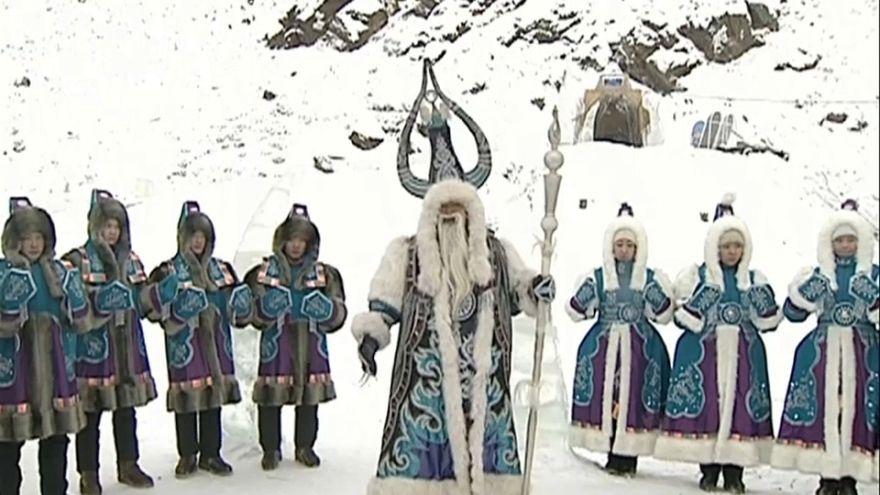 Dünyanın en soğuk köyünde kış kutlamayla karşılandı
