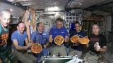 Pizzaessen im Weltall. Geht alles.