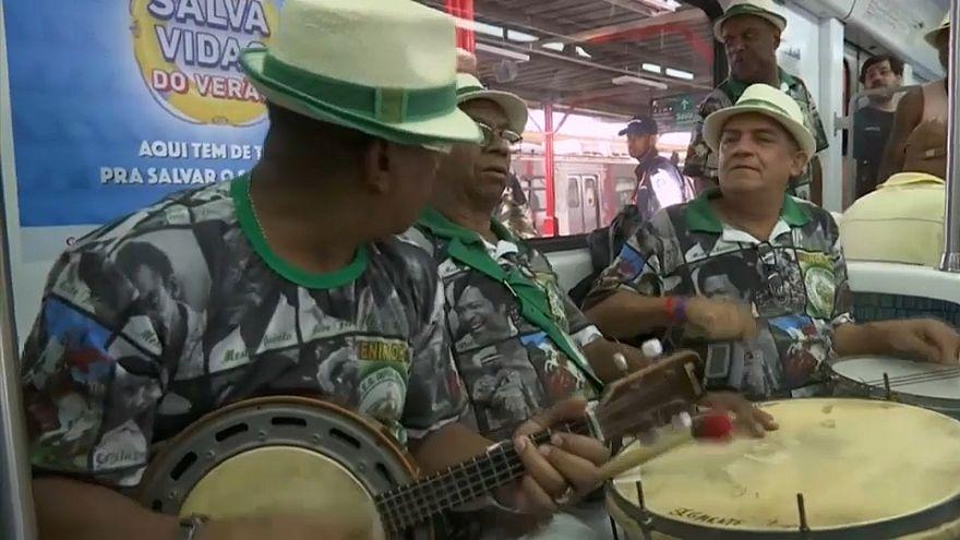 Comboio do Samba anima Rio de Janeiro