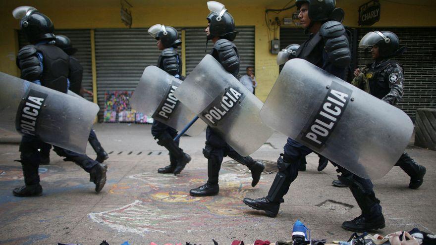 Honduras'ta sokağa çıkma yasağı ilan edildi
