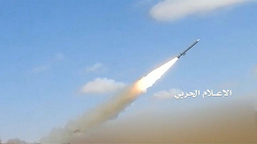 Os combates intensificam-se no Iémen