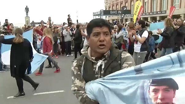 Argentina: familiares dos marinheiros desaparecidos querem que as buscas continuem