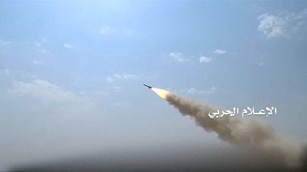 Yemen: ribelli Houthi rivendicano lancio di un razzo contro Emirati Arabi