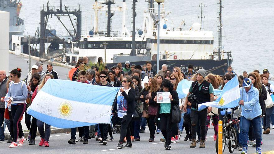 ARA San Juan: las familias piden a Macri que no detenga la búsqueda