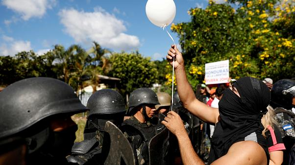 Honduras reelige presidente a Hernández tras el recuento especial