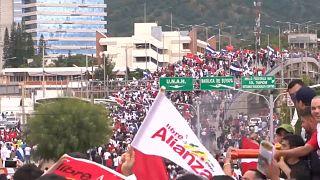 Retomada a contagem dos votos nas Honduras em clima de grande tensão
