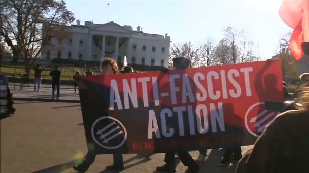 Anti-Facistes contre Alt-Right devant la Maison Blanche
