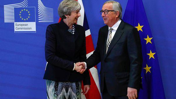 Irish border key to Brexit progress as May meets Juncker