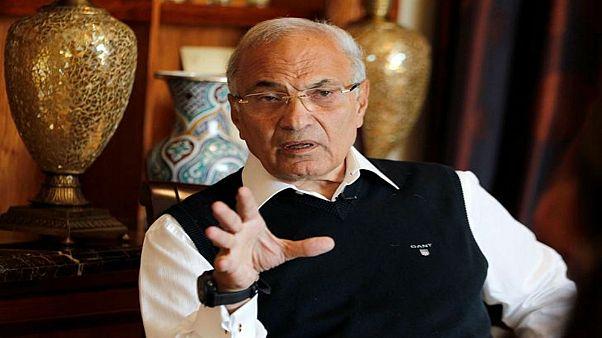 أحمد شفيق يكشف حقيقة احتجازه في الإمارت ويكذب فيديو الجزيرة