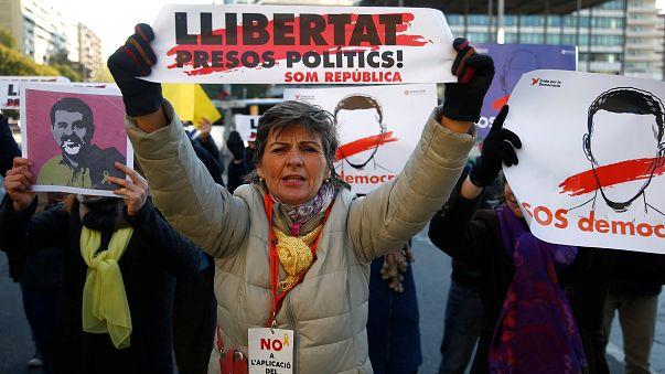 Spain keeps four key Catalans behind bars