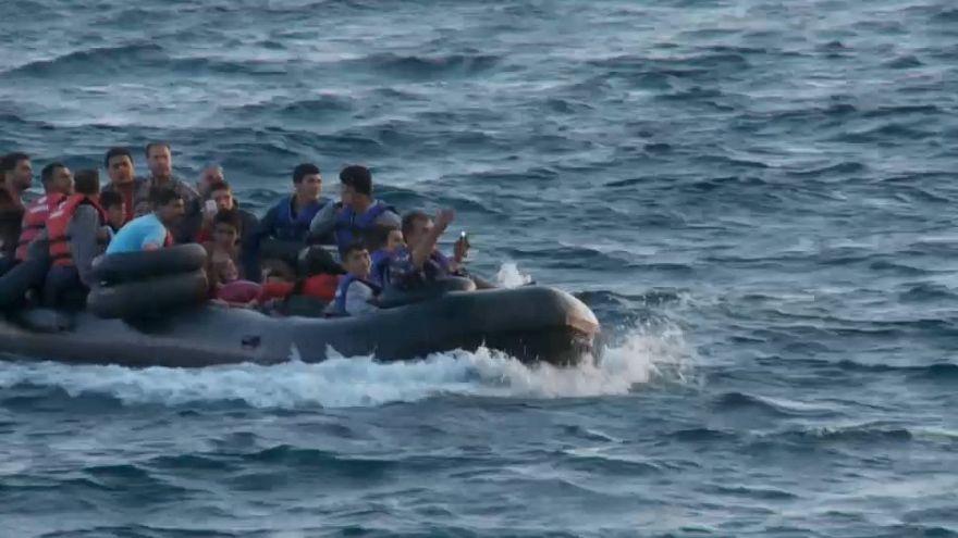"""Grécia: Os refugiados da """"purga"""" na Turquia"""