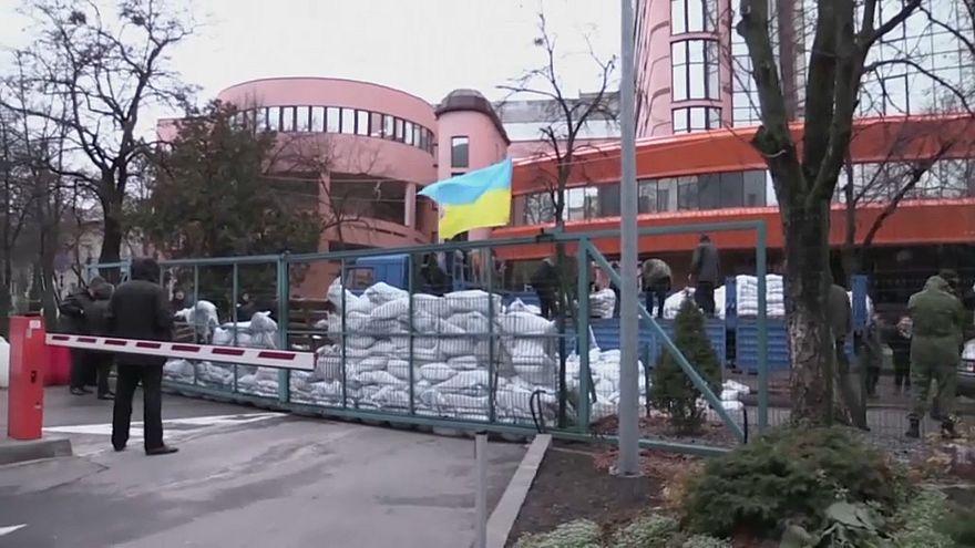 Kiew: TV-Sender belagert