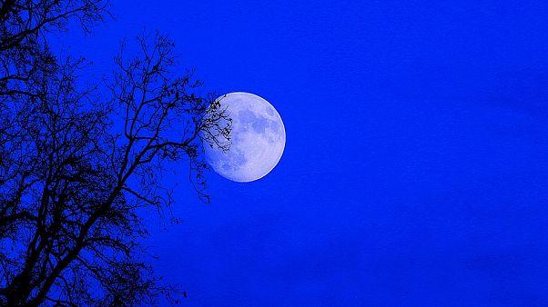 Süper Ay görenleri kendine hayran bıraktı