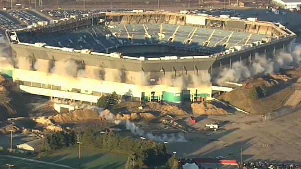Michigan stadium withstands demolition blast