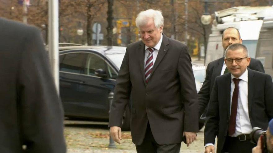 Seehofer dejará de gobernar Baviera a principios de 2018