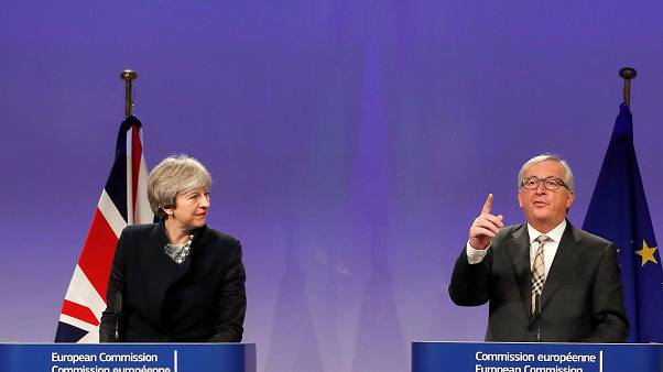 Brexit: «Δεν τα βρήκαν» Γιούνκερ και Μέι – Συνεχίζονται οι διαπραγματεύσεις