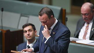 Avustralya'da meclis kürsüsünden evlilik teklifi