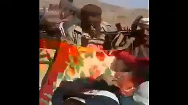Megmutatták a megölt volt jemeni elnök holttestét