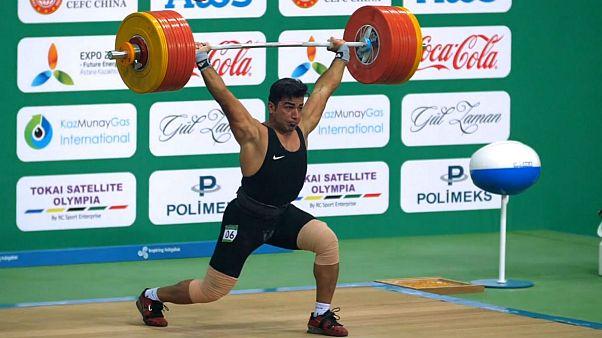 طلای ۱۰۵ کیلوگرم بر گردن علی هاشمی