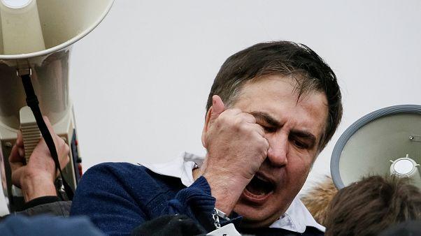 Saakashvili libertado pelos apoiantes após detenção em Kiev